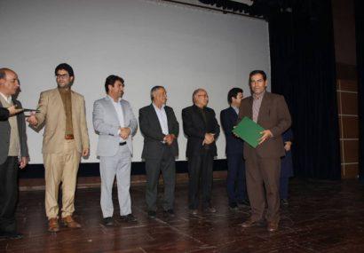 سردبیر پایگاه خبری جزمان، برگزیده جشنواره فصلی مطبوعات و رسانه های استان ایلام شد